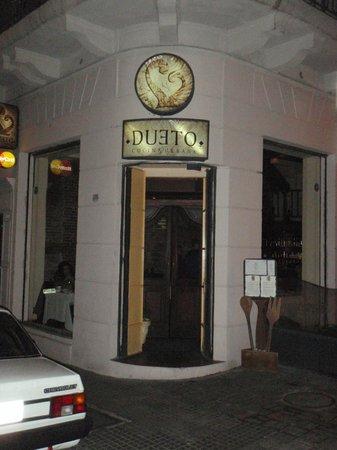 Dueto: Exterior entry