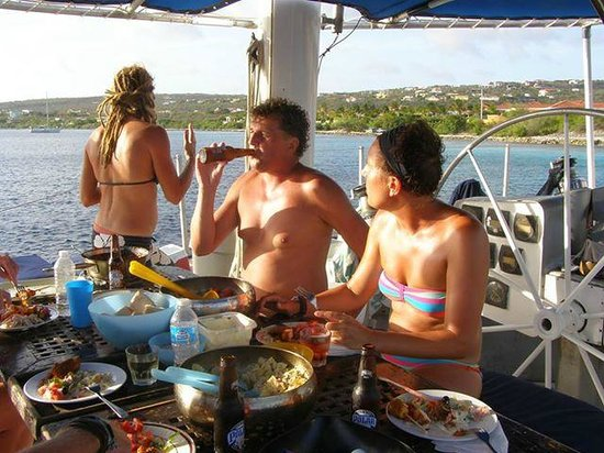 Aquaspace Sailing Charters: captains dinner