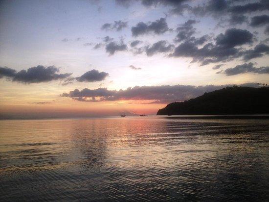 Hotel Waecicu Eden Beach: Sunset at Waecicu