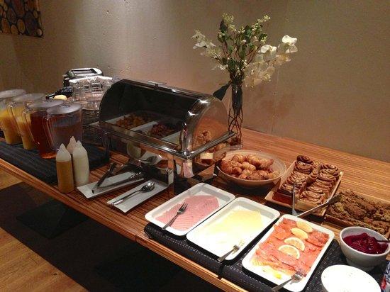 CenterHotel Thingholt : Great breakfast