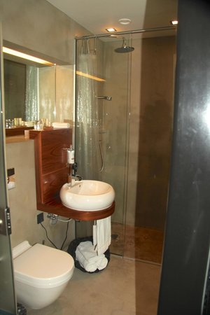 CenterHotel Thingholt: Modern bathroom