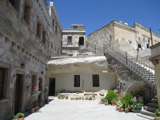 Vineyard Cave Hotel: Hotel