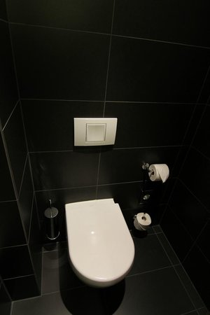 NH Frankfurt Messe: Toilet