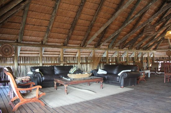 Mogotlho Safari Lodge : Comfy Lounge