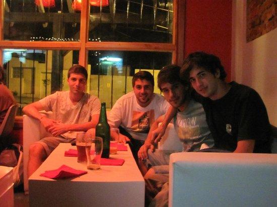 The House Hostel, Resto & Bar: Los vagos de Quilmes