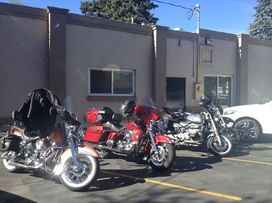 Mirror Lake Diner: motorcycles outside the diner