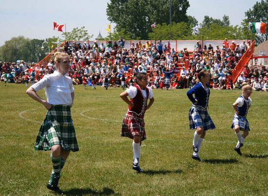 Cobourg Beach : The Highland Fling at the Opening Ceremonies