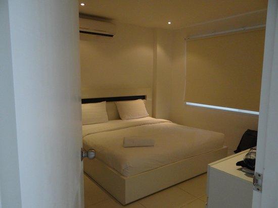 ซันเซ็ท พลาซ่า: Une chambre