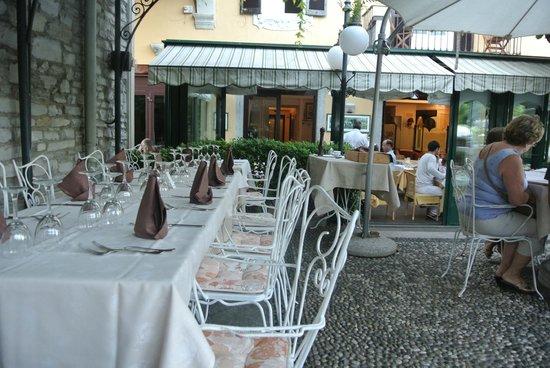 Hotel Posta: terrasse et restaurant