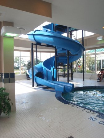 Water slide picture of hilton garden inn toronto vaughan for Pool show toronto