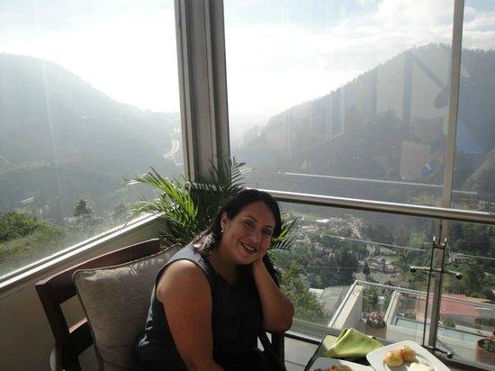 Stubel Suites and Cafe: Hermosa vista de Guapulo desde la cafeteria del hotel