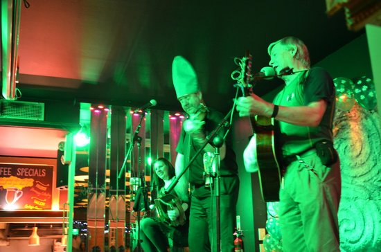 Parliament Hotel: Paddys Day music at the hotel