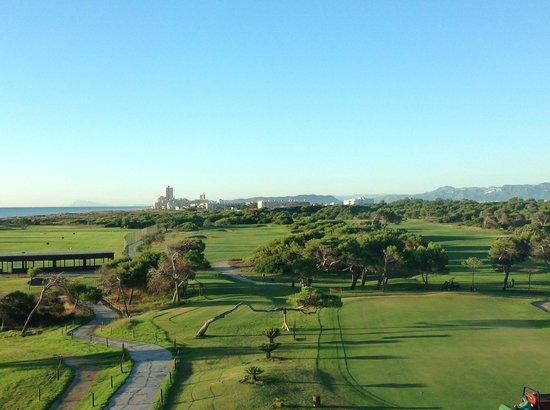 Parador de El Saler : Early morning view from the bedroom corridor