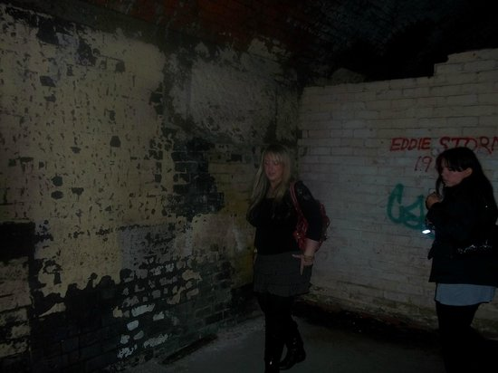 Manchester Ghost Walk: looking around at some of the creepy spaces