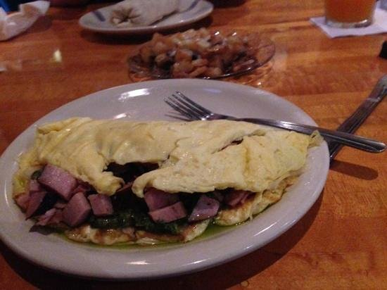 Bubba's: Green eggs and ham omelet has the pesto inside