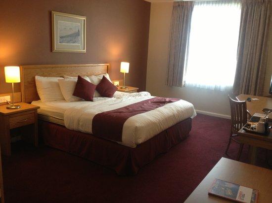 Future Inn Cardiff Bay: Master Bedroom
