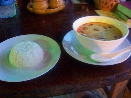 Roi Thai: red curry