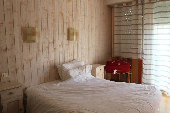 Hôtel Des Halles : camera matrimoniale