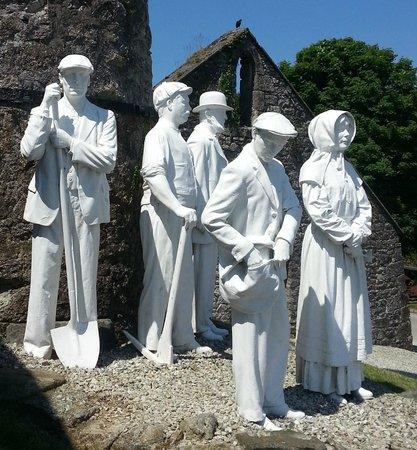 Wheal Martyn: Statues outside the main entrance