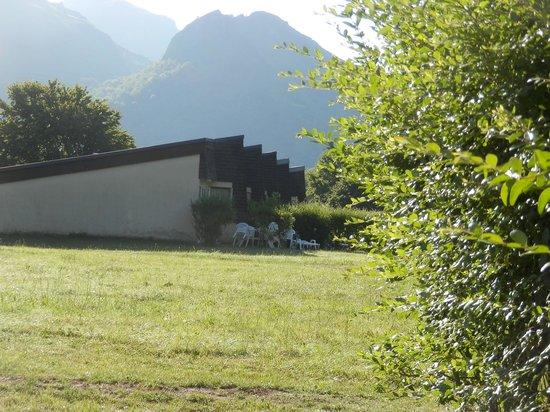 VVF Villages Les Cabannes : Logements au petit matin