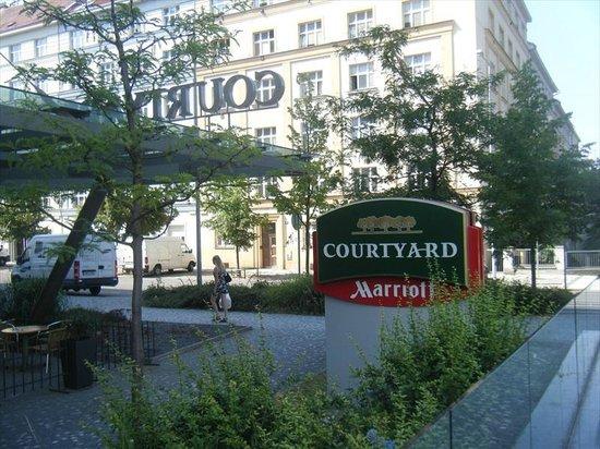 Courtyard Prague City : Hotel sign on the corner of Jincinska and Lucemburska