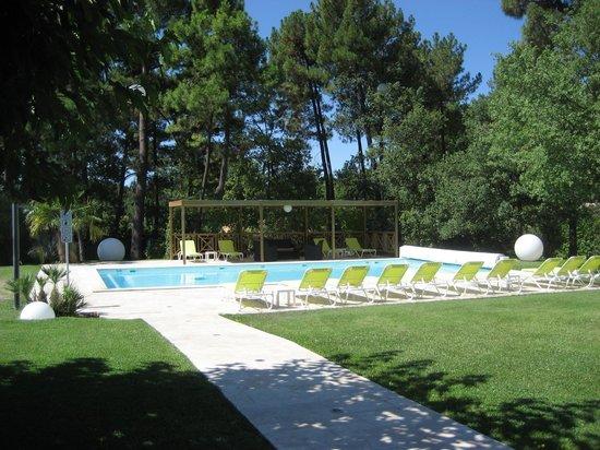 Hotel Les Sables d'Ocre : Pool