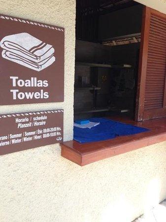 Grand Palladium Kantenah Resort & Spa: a las 11 no hay toallas...