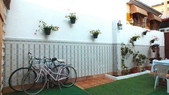 Nomadas hostel: Old bikes having good rest.