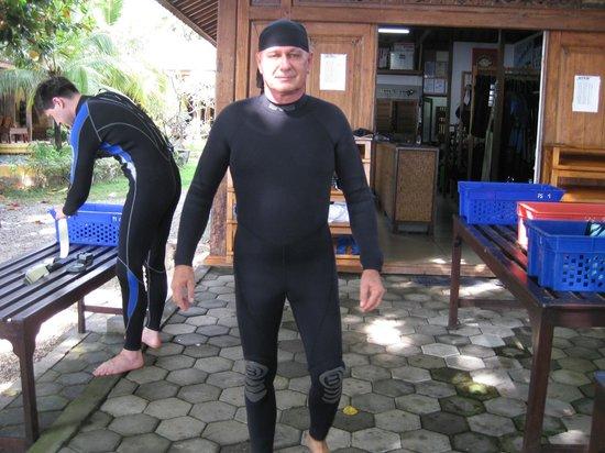 Pondok Sari Beach Bungalow Resort & Spa : der Lichtblick der Tauchbasis