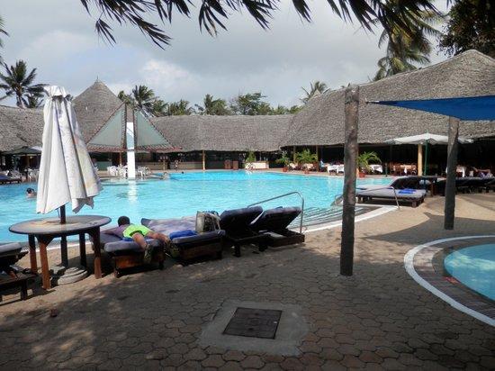 Turtle Bay Beach Club: The main pool