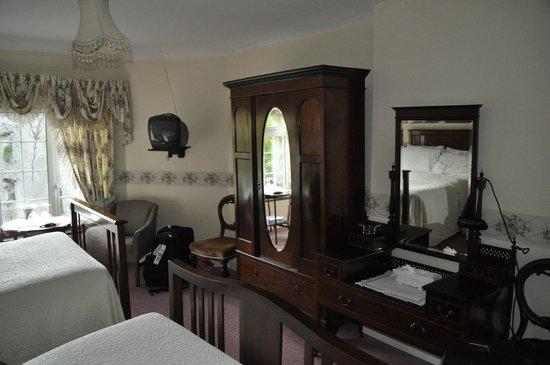 Abbey House B&B: Stylish furniture
