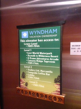 Wyndham Vacation Resorts Glacier Canyon: Elevator Level Access