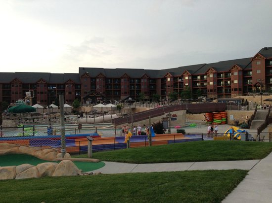 Wyndham Vacation Resorts at Glacier Canyon : Lost World Water Park