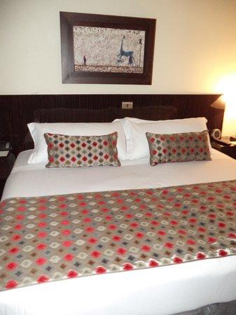 Hotel Porton Medellin: Camas muy confortables!