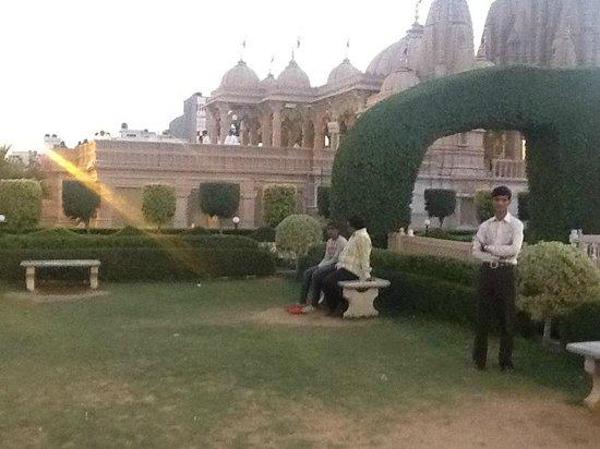 Akshardham Temple: side view