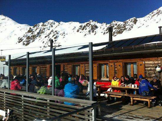 Chamanna Bergrestaurant: Chamanna outdoor terrasse