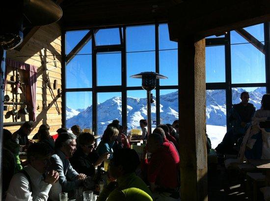 Chamanna Bergrestaurant: view from indoor restaurant