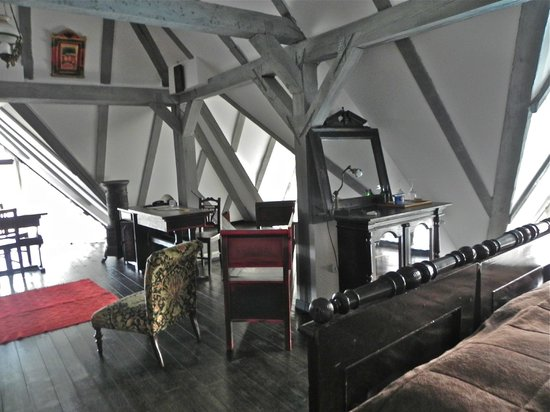 Conacul Archia: room