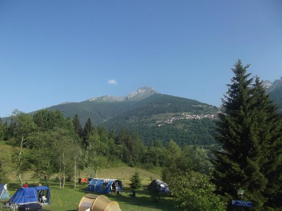 Camping & Chalet Presanella: Alcune piazzuole a disposizione per tende