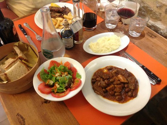 Trattoria Bonini: Selection of grilled meats and slow cooked beef with olives