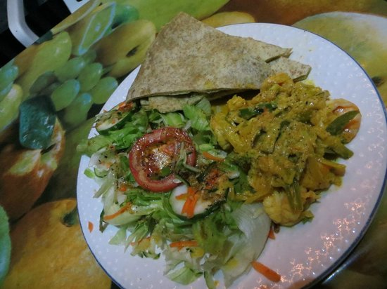 Gomier's Vegan Vegetarian And Seafood: Curry fish, wheat tortillas and salad w/ homemade vinaigrette