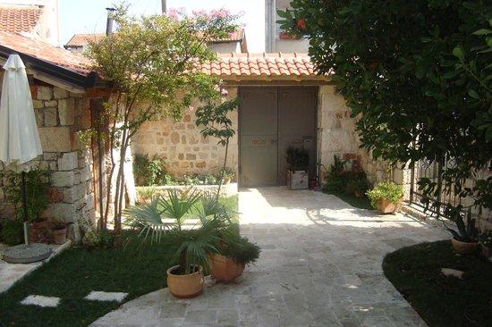 Villa Mike: Garden