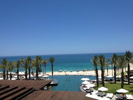 Hilton Los Cabos Beach & Golf Resort: Beach view from lobby bar