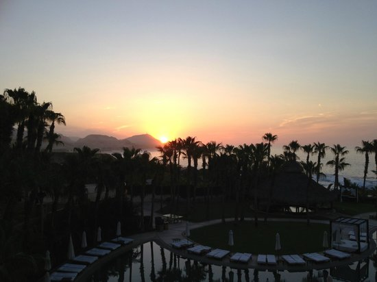 Hilton Los Cabos Beach & Golf Resort: Sunrise from my room