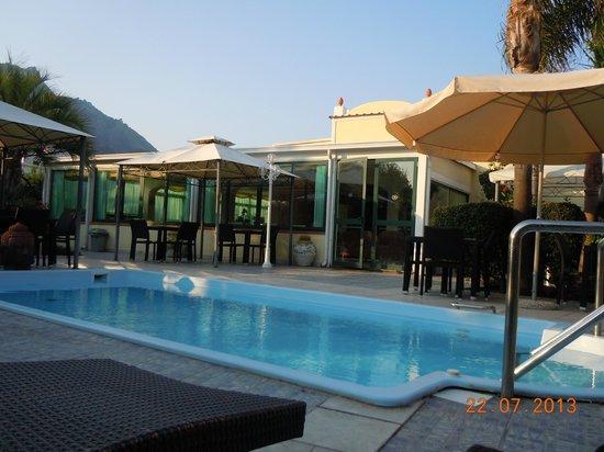 Park Hotel la Villa: Piscina