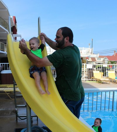 Carideon Motel : Sliding board