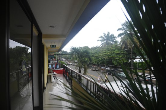 BEST WESTERN Kamuk Hotel & Casino: Our balcony (room 201 and 207)