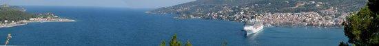 Samos City Hotel: Panoramica del porto