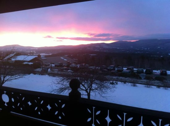 Trapp Family Lodge: Sunrise from the balcony off of our room