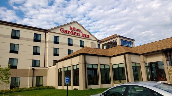 Hilton Garden Inn Rapid City : Front entrance